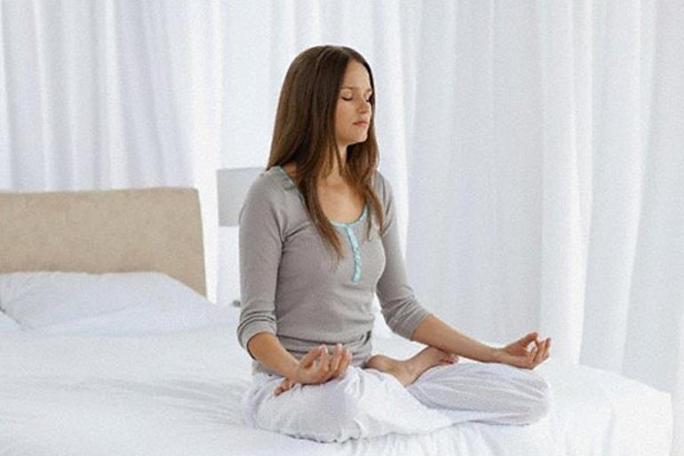 Meditar-en-la-cama