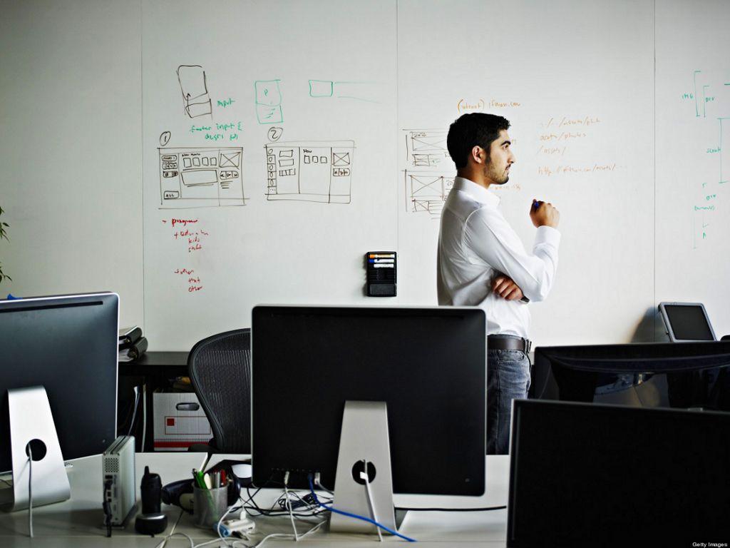 emprendedor-comienza-a-pensar-fuera-de-la-caja