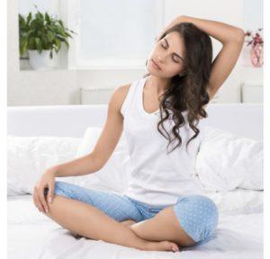 estiramientos-largos-pero-suaves-en-la-cama
