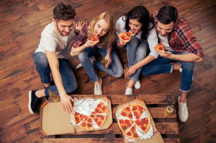 pizza-friends-fun-700x466