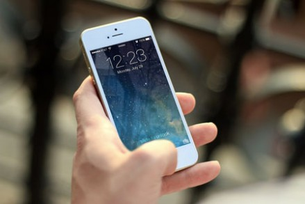 iphone-410324_1280-439x293