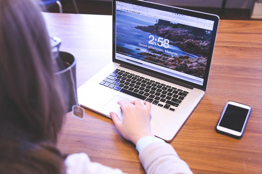 2f9814b9037 Con esta idea clara te presentamos 7 características generales que se debe  tener en cuenta para crear exitosos titulares para tu Blog: