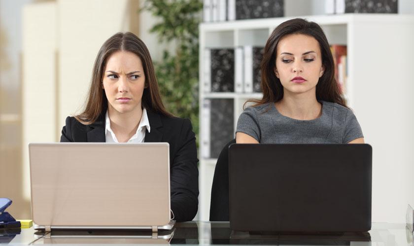 desconfianza-trabajo-jefe