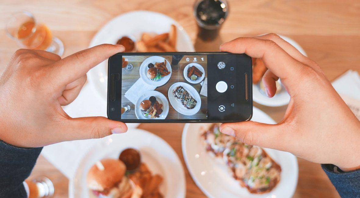 8 Tips para promocionar un restaurante en Facebook