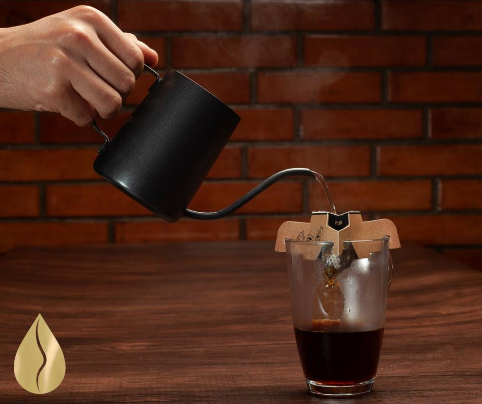 Emprendedor crea innovadora cafetera portátil