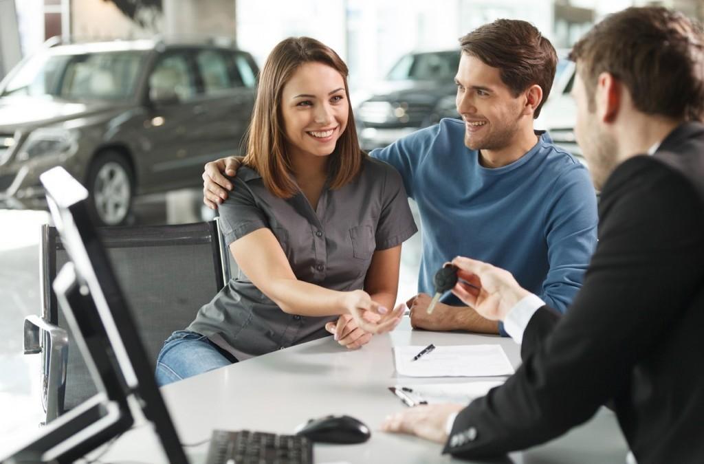 Prohibido usar efectivo en compra de vehículos e inmuebles
