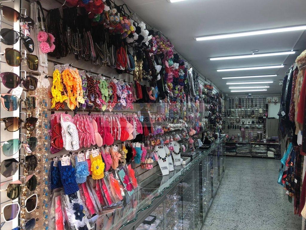 ¿Cómo emprender un negocio de accesorios para damas?