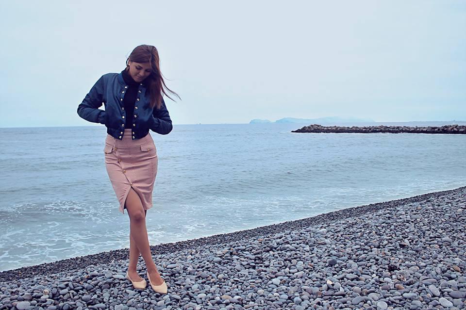 Moda versátil resalta la belleza de la mujer