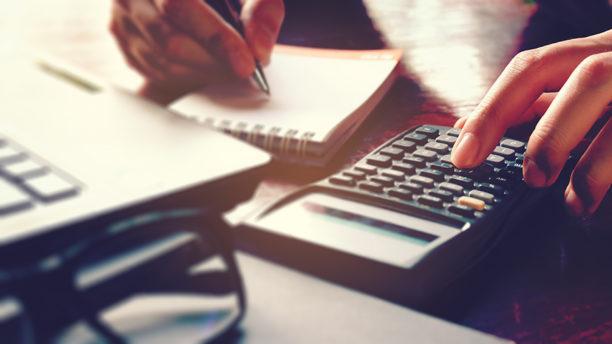 ¿Qué usar: tarjeta de crédito o préstamo en efectivo?