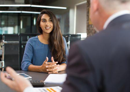 ¿Qué investigar antes de una entrevista laboral?