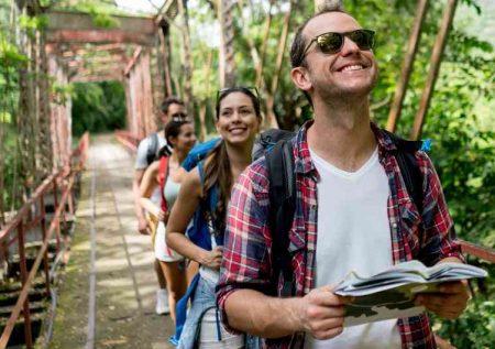 ¿Cómo ganar dinero en el sector turismo?