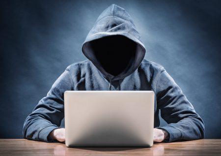 ¿Cómo evitar el espionaje a través de la webcam?