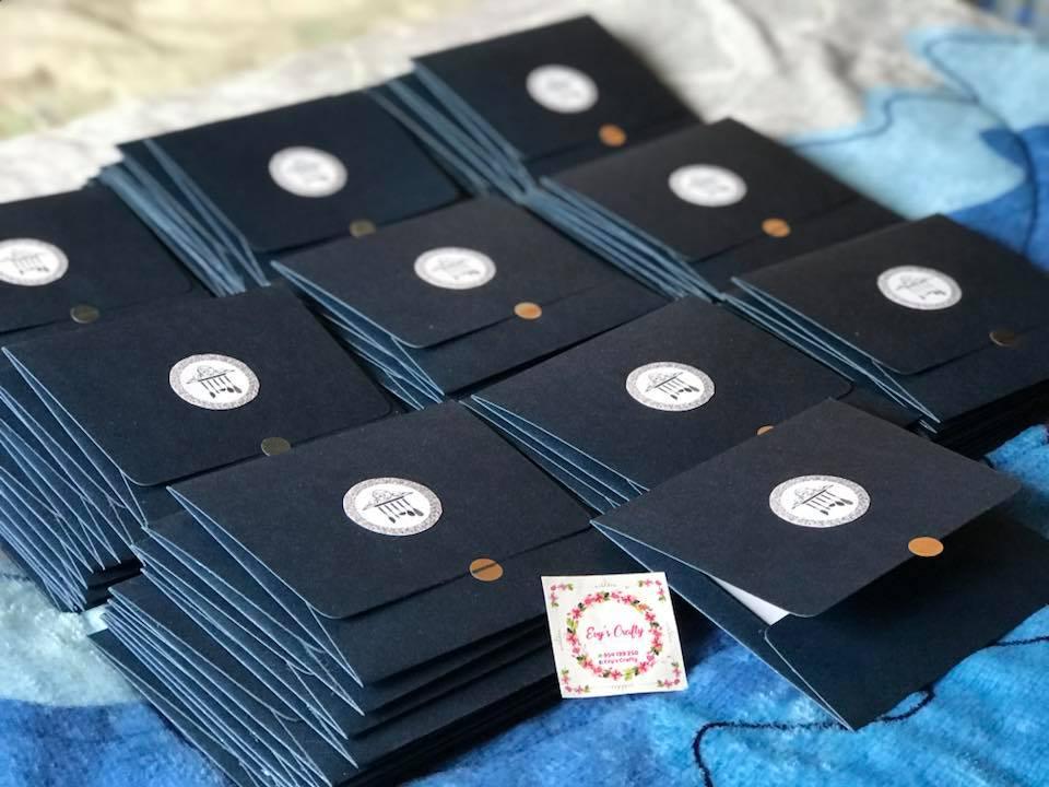 Gana dinero diseñando tarjetas para eventos