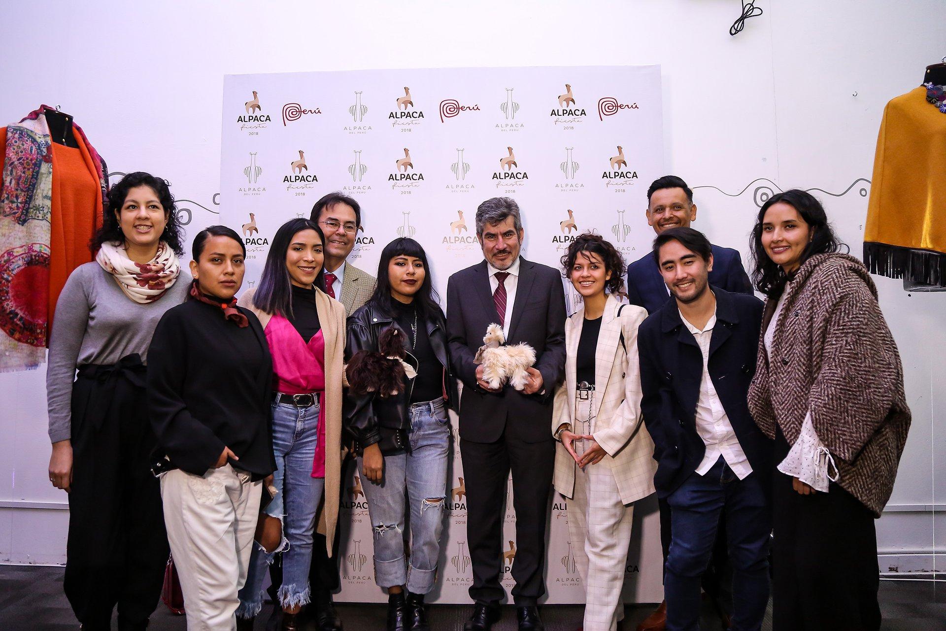 7 jóvenes diseñadores compiten en concurso
