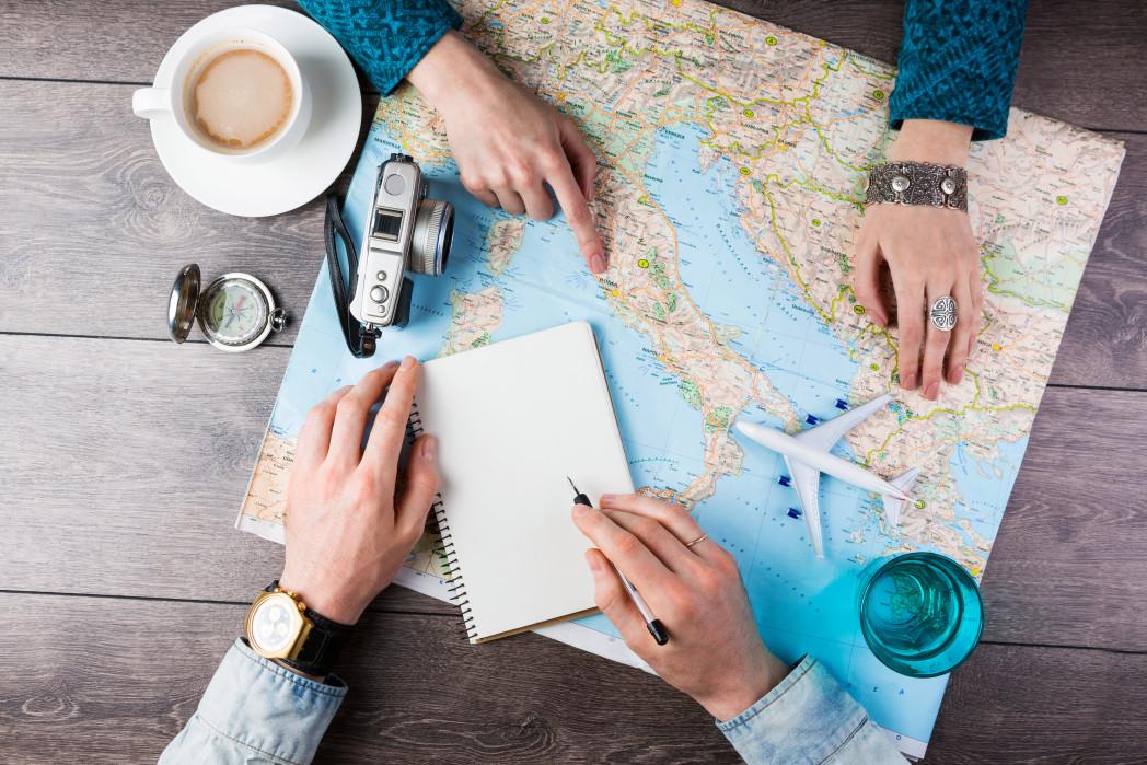 ¿Cómo cuidar tus finanzas personales si viajas?