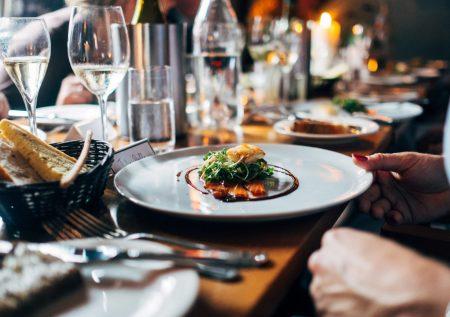Trabajadores: Cómo deducir gastos en restaurantes