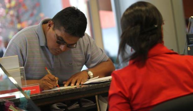 Bancos podrán reprogramar créditos en zonas de emergencia