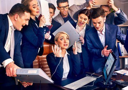 ¿Cómo manejar tus emociones en el trabajo?
