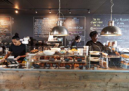 ¿Sabes cómo emprender una cafetería?
