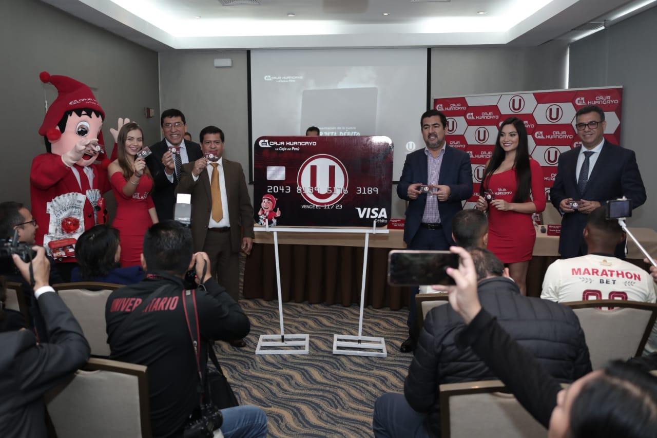 "Beneficios de tarjeta de débito de la ""U"""