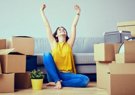¿Cómo vivir solo sin gastar demasiado?