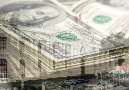 Cierre del Congreso impacta en el dólar