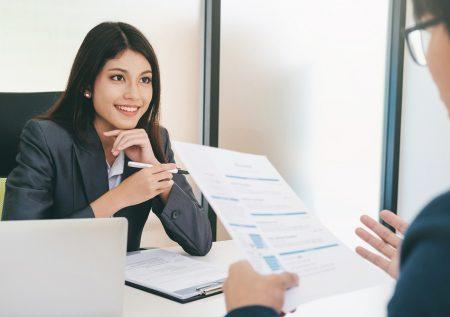 Uso del lenguaje corporal en una entrevista