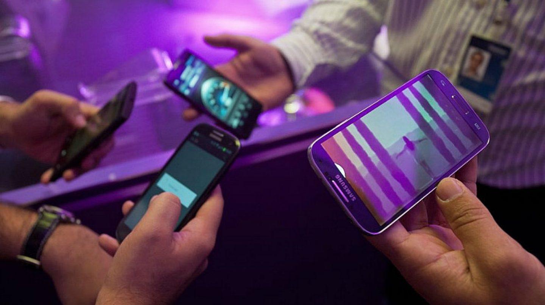 Pronto pantallas portátiles para móviles