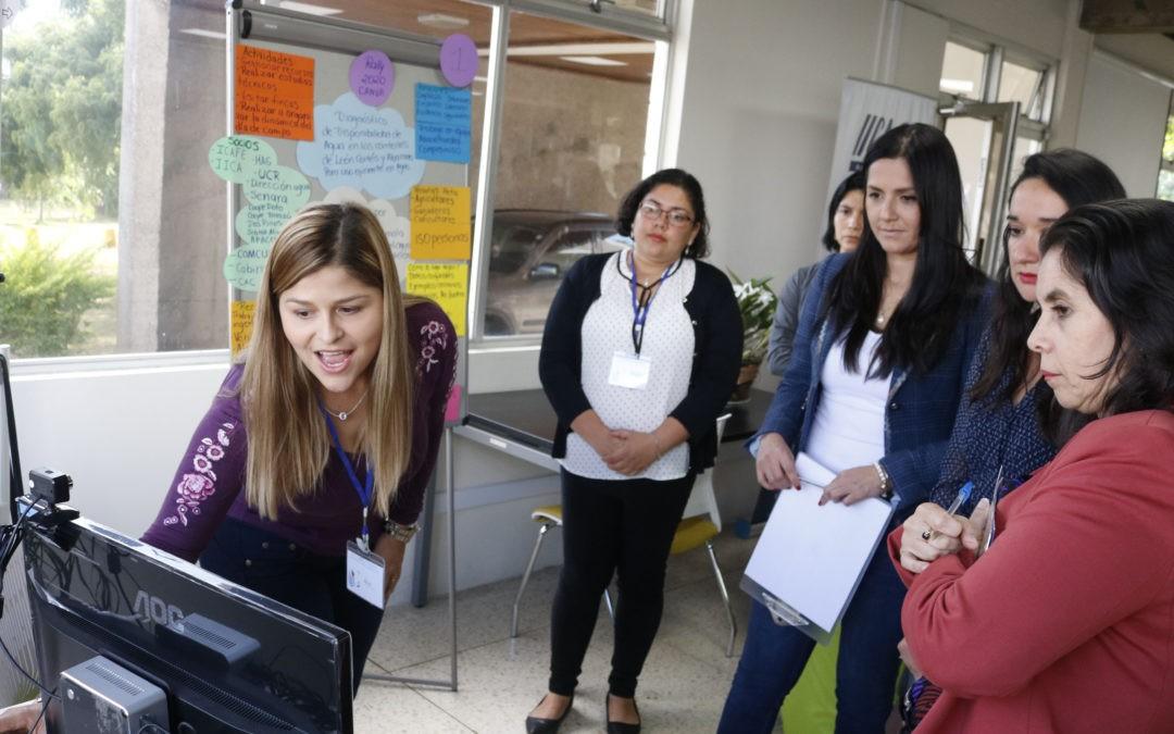 Más mujeres participan en sector tecnológico
