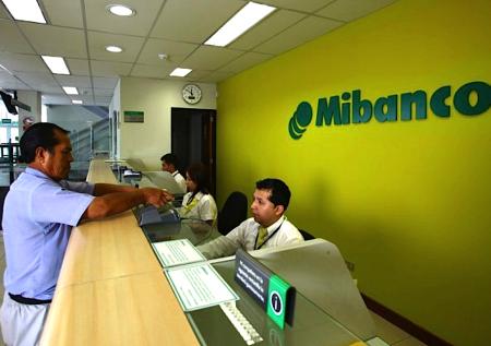 Mibanco dona fondos para bono solidario