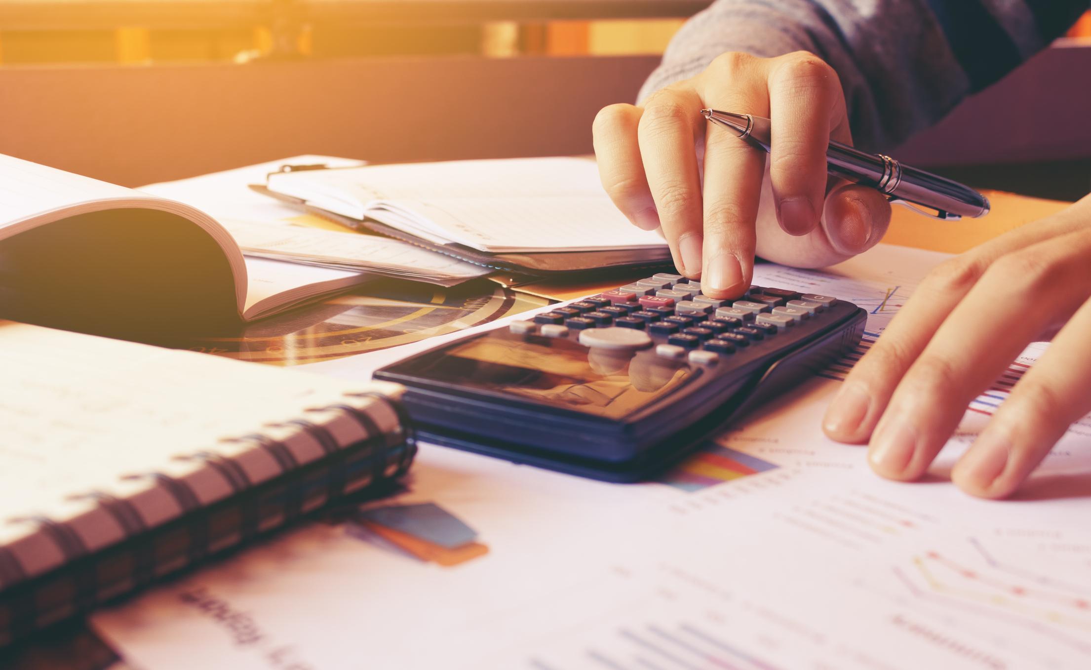 Congelar o reprogramar deuda: ¿Qué conviene?