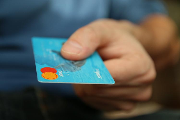 Tarjeta de crédito: ¿Cómo usarla en tiempos de COVID?