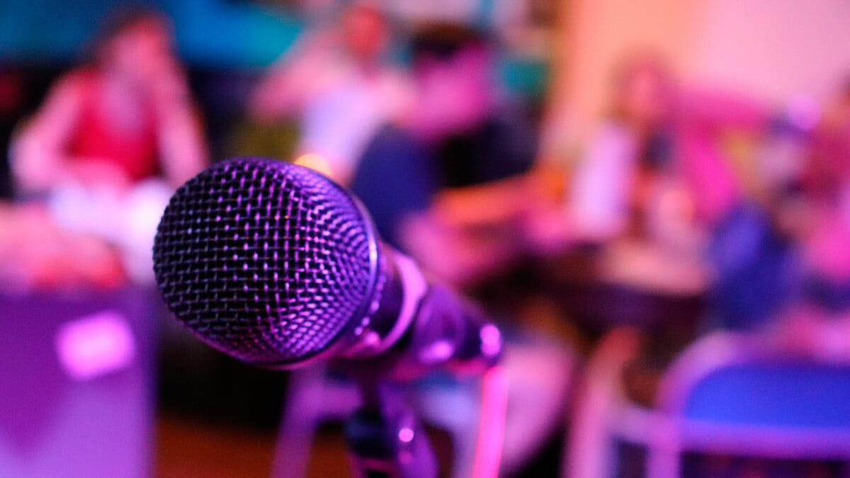 7 Plataformas para hacer karaoke