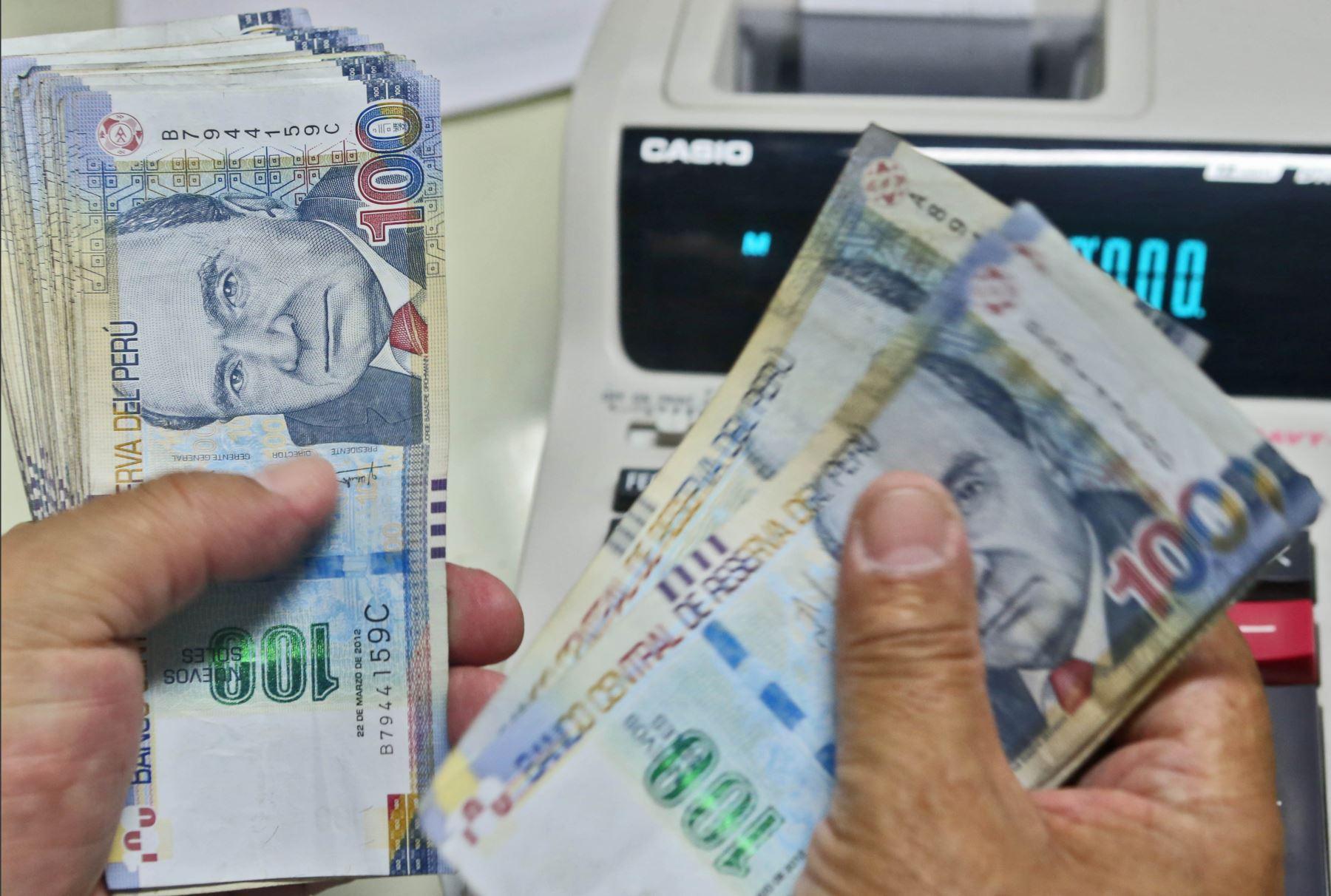4 Bancos reprograman y rebajan tasas en 20%