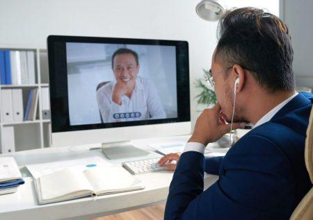 ¿Cómo afrontar una entrevista de trabajo online?
