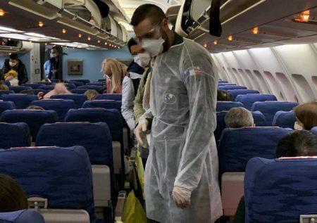 Gobierno evalúa vuelos a países vecinos