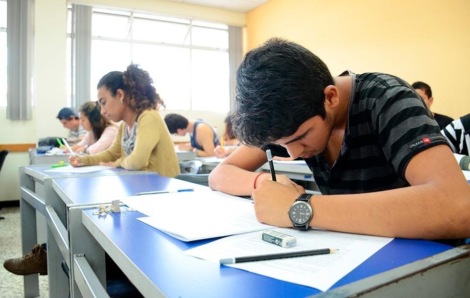 ¿Cómo conseguir una beca de estudios?