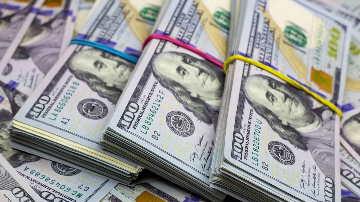 Dólar sigue al alza, cerró en S/. 3.667