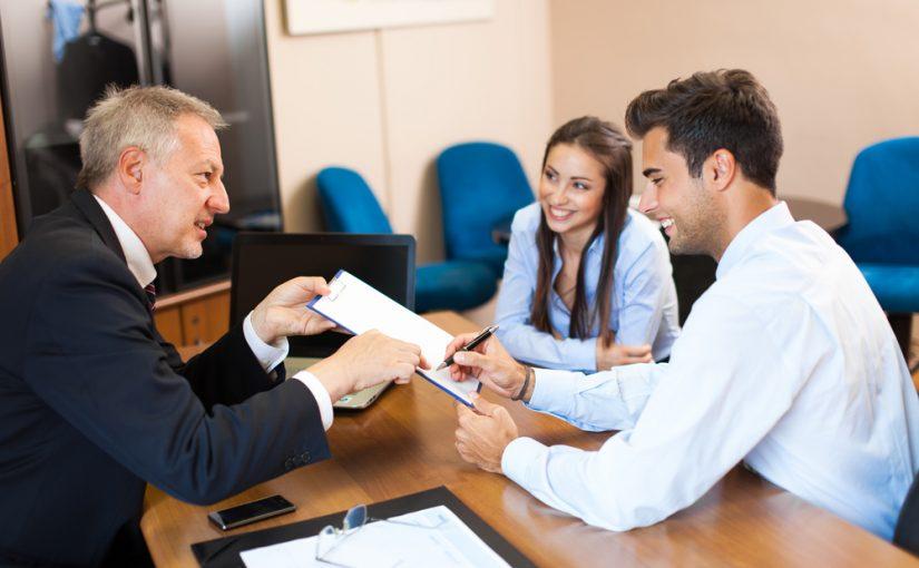 ¿Cómo reprogramar créditos personales?