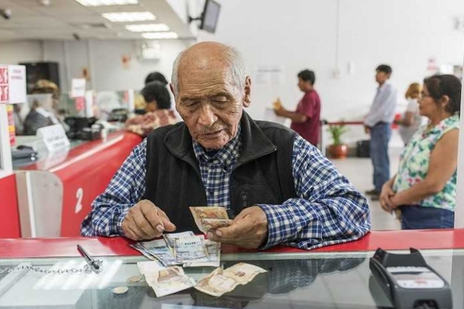 MEF: Reforma de pensiones es irreal